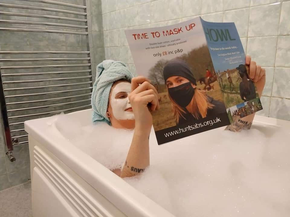 read howl magazine in the bath